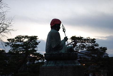 善光寺表参道七福神めぐりの路傍(長野市)