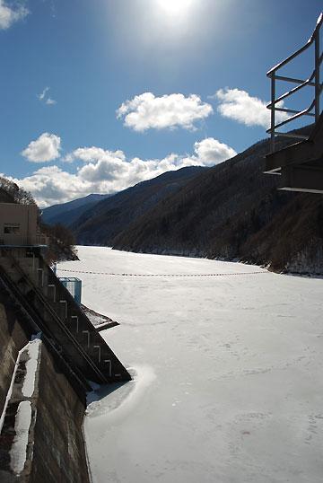 奈良井ダム(塩尻市)