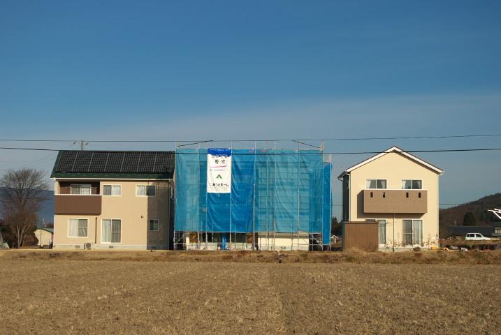 [あっとホーム44-28] 外壁ルーバーの廃案とバルコニーの手摺りの打ち合わせ(現場にて) - 2012/1/18(水)
