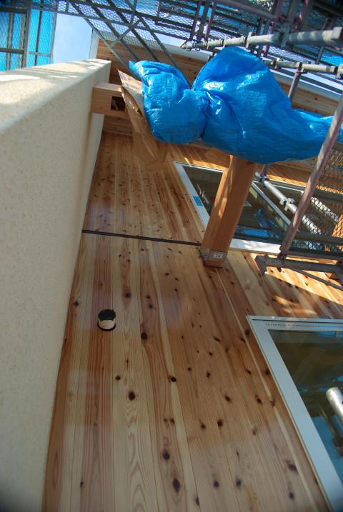 [施主施工9 外壁木部分の塗装] 外壁部分は全部終えた - 2012/1/18(水)