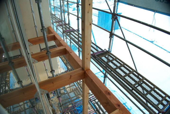 [施主施工10 外壁塗装] バルコニーの梁などの塗装+照明器具の取り付け - 2012/1/21(土)