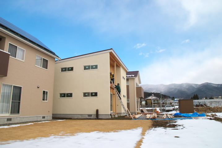 [あっとホーム 45] トイレペホルダーの設置位置を検討(現場) - 2012/1/25(水)