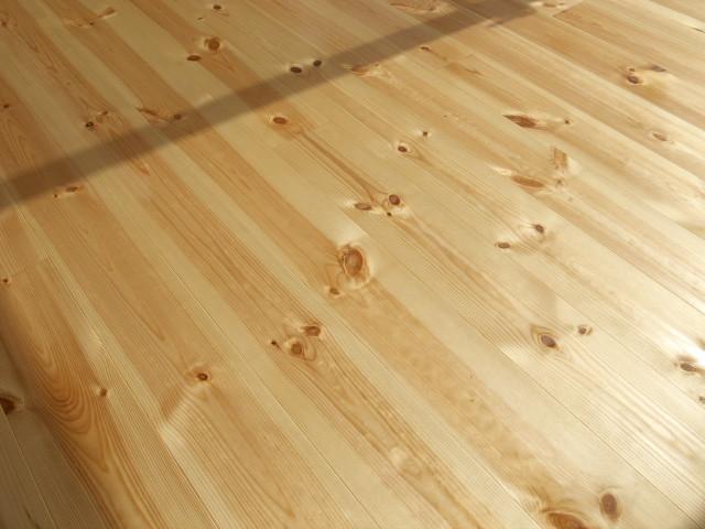 [施主施工24] リボス自然健康塗料 メルドス → 床や棚(初回塗り) - 2012/2/18(土)