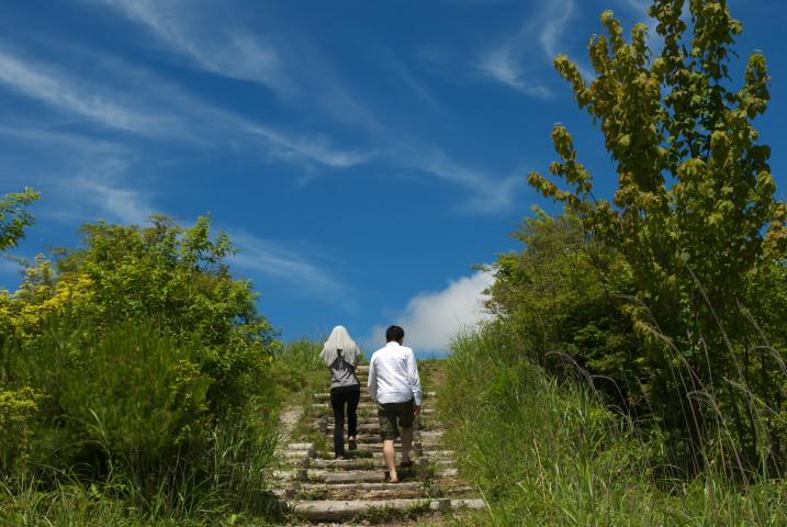 まなゆきの来谷と陣馬形山 - 2012/7/8(日)