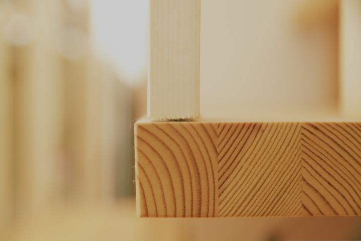 踏み板とササラ桁の接点