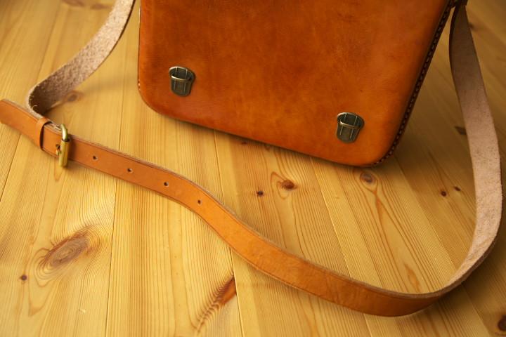革の鞄(ハセ;マルセロ・ハセ氏)