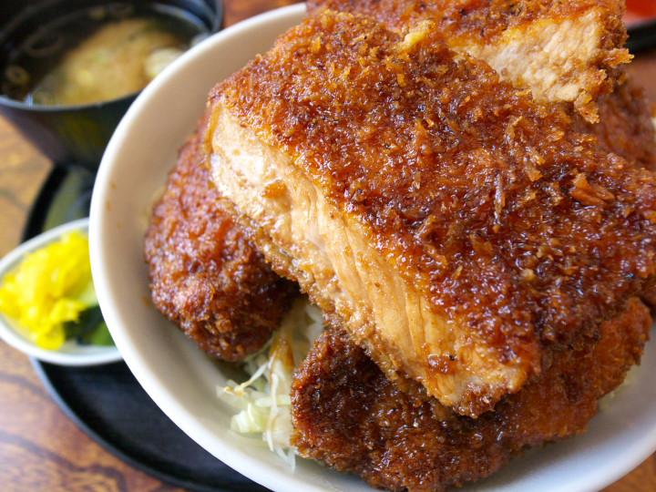志をじ(伊那市;ソースカツ丼;メガ盛り)