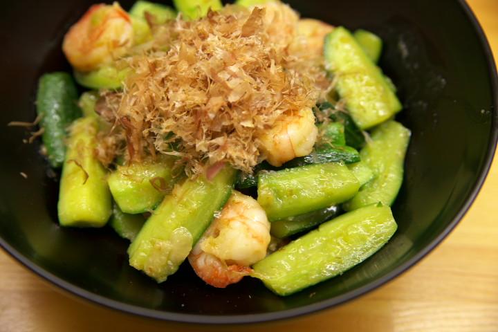 胡瓜と海老の柚子胡椒炒め