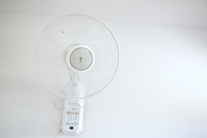 壁掛け扇風機 YWX-K301(ヤマゼン)