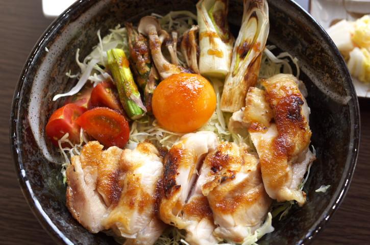 自家養鶏 純系名古屋コーチン 親子丼専門店 やまもと(箕輪町)の料理の写真とか