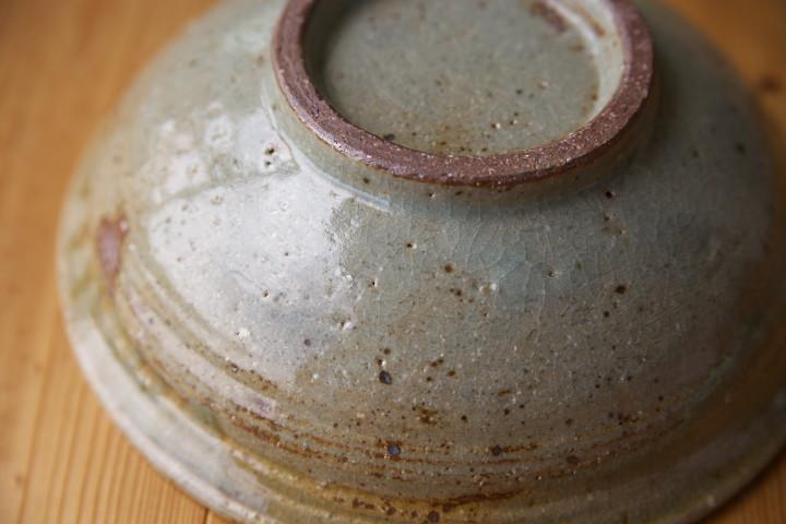 [くらふてぃあ] 松灰釉の鉢(草來舎)