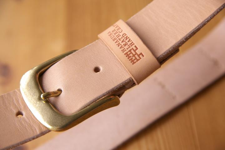 [くらふてぃあ] ヌメ革のベルト(ハナブサレザー)