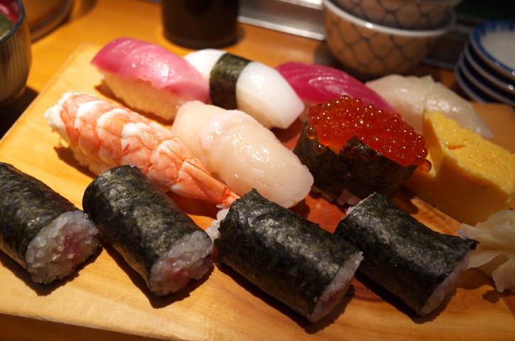 一徹鮨(東京都中央区)の料理の写真とか