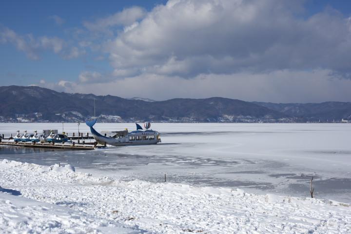 諏訪湖の結氷
