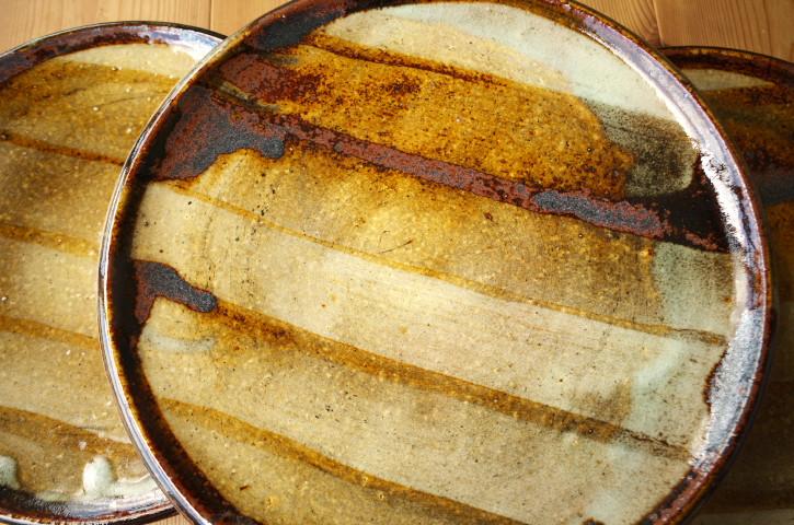 奥村陶房の皿