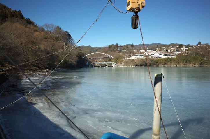 氷結の美和湖と高遠湖